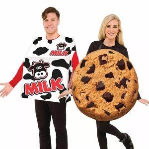 NWOT Adult Milk and Cookie Halloween Costume